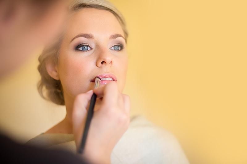 karen applying make up